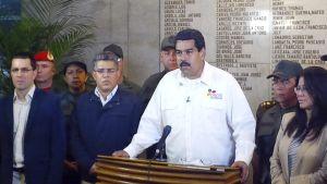 Maduro puhuu televisiossa.