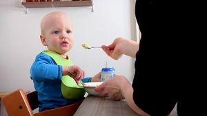 Lapsiperheissä syödään monipuolista arkiruokaa.