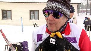 Karstulalainen Erkki Humppi osallistui maaliskuussa 2013 veteraanihiihtoihin Sotkamossa.