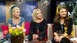 Värttinä-yhtyeellä on ikää jo 30 vuotta. Aamu-tv:n vieraana 18. maaliskuuta 2013 vasemmalta Susan Aho, Mari Kaasinen, sekä uusi tulokas Karoliina Kantelinen.
