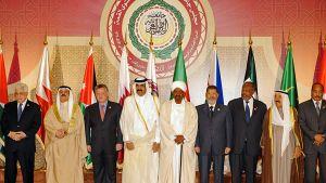 Arabijohtajia ryhmäkuvassa