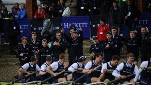 Oxfordin riehakkaat voitonjuhlat alkoivat heti maaliintulon jälkeen.