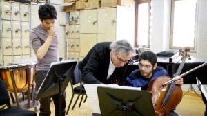 Ralf Gothóni opettaa Kairossa.
