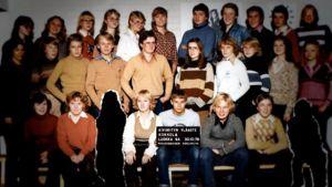Kiviniityn koulun 9A:n koulukuva vuodelta 1979.