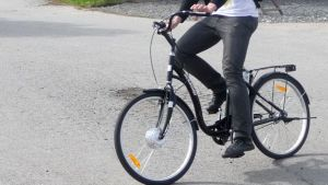 Sähkoavusteiset polkupyörät yleistyvät Suomessa, mutta hitaasti.
