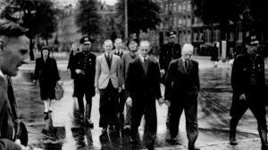 Saksalaisten ratsia Amsterdamissa 20. huhtikuuta 1943.