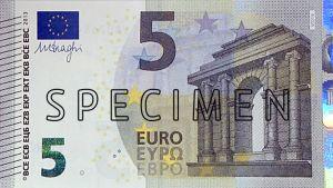 Uusi viiden euron seteli.