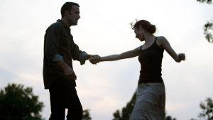 Ben Affleck ja Olga Kurylenko elokuvassa To The Wonder.