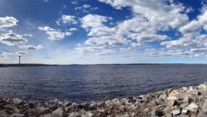 Jäätön Näsijärvi rannalta kuvattuna toukokuussa