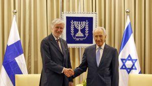 Erkki Tuomioja ja Shimon Peres