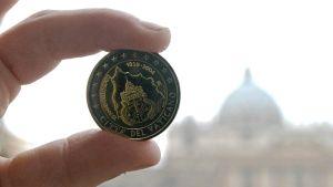 Vatikaanin kahden euron kolikko.