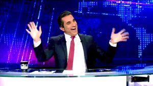 Egyptiläiskoomikko Bassem Youssef ohjelmassaan.