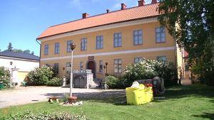 Kuvassa näkyy Roosin talo Kokkolassa