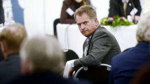 Sauli Niinistö presidentin ulkopoliittisessa keskustelutilaisuudessa Kultarannassa.