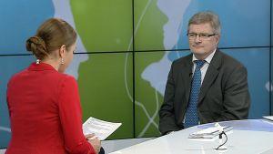 Eduskunnan perustuslakivaliokunnan puheenjohtaja Johannes Koskinen Päivän kasvo -ohjelman vieraana.