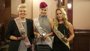 Miss Gay Finland 2013:n voiittajat yhteiskuvassa.