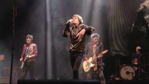 Rolling Stones -yhtye lavalla Glastonbury-festivaaleilla.