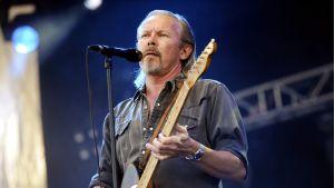 J. Karjalainen esiintyi Ruisrockissa Turussa 7. heinäkuuta 2013.