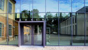 Åbo Akademin Arken-kokonaisuus on tehty Turun rautateollisuuden rakennuksien varaan.