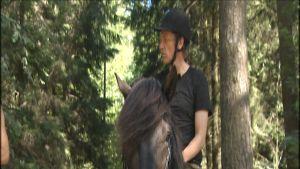 Ville Virtanen ratsastaa