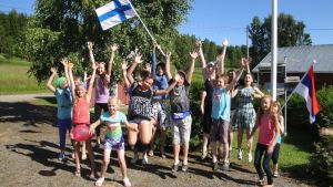 Kohti kansainvälisyyttä leiritoiminnan kautta -hankeen leirin lapsia