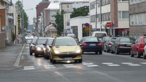 Minna Canthin katu on yksi Kuopiossa kaksisuuntaisiksi muutetuista kaduista