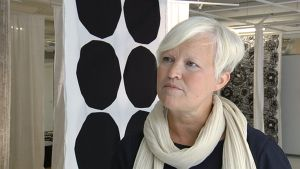 Marimekon taiteellinen johtaja Minna Kemell-Kutvonen.