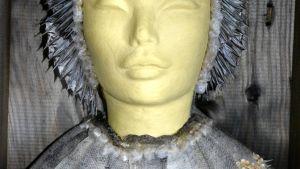 kalannahasta tehty patsas