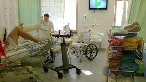 Töölön sairaalassa samaan huoneeseen sijoitetaan jopa kuusi potilasta.