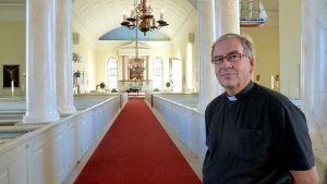 Pastori Jyrki Vaaramo Oulun tuomiokirkkoseurakunnasta