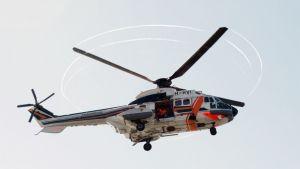 Super Puma -helikopteri.