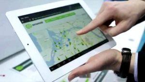 Sensinoden nettivideossa katuvaloja ohjataan langattomasti tablet-tietokoneella.