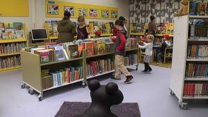 hakunilan uudistettu kirjasto 30.8.2013 avajaiset