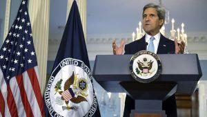 Yhdysvaltojen ulkoministeri John Kerry puhuu Syyrian tilanteesta Washington D.C.:ssä.