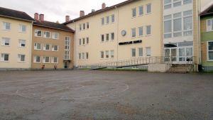 Kurenalan koulu Pudasjärvellä