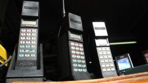 Vanhoja matkapuhelimia