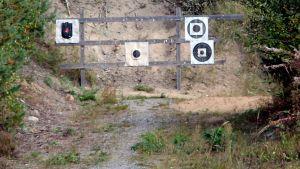 Ampumatauluja Lappeenrannan Muukon ampumaradalla.