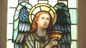 Iitin kirkon lasimaalaukset konservoidaan.