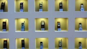 Nokian puhelin malleja vuosien varrelta.