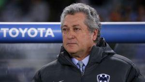 Monterreyn valmentaja Victor Vucetich lähikuvassa.