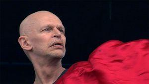 Jorma Uotinen esiintymässä Kuopio Tanssii ja Soi -festivaalin avajaisissa vuonna 2011.