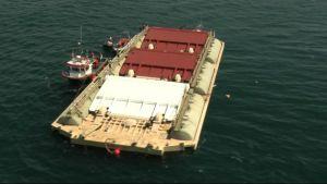 WaveRollerin kolmesta yksiköstä koostuva koevoimala upotettiin Portugalin rannikolle ensimmäisen kerran viime syksynä.
