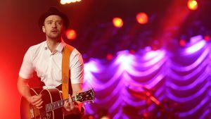 Justin Timberlake esiintyessään Rio de Janeirossa, Brasiliassa, 15. syyskuuta 2013.