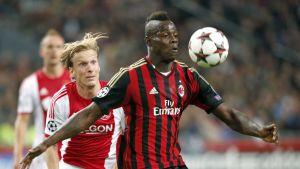 Mario Balotelli viimeisteli pilkulta Milanin tasoituksen / 1.10.2013