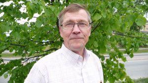 Mäntyharjun ahvenprofessori Matti Paasonen.