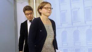Valtionohjauksesta vastaava ministeri Heidi Hautala tiedotustilaisuudessa Helsingissä 11. lokakuuta.