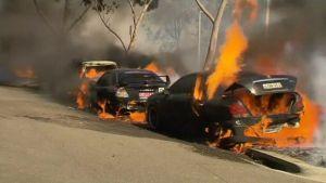 Sydneyn Olympiapuiston tulipalossa tuhoutui autoja.