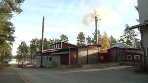 Lestijärvellä on otettu käyttöön uudentyyppinen polttolaitos kaukolämmön tuotantoon.