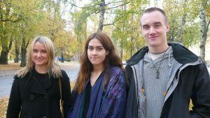 Lina Kuusisto, Julia Moghadampour ja Akseli Kamila.