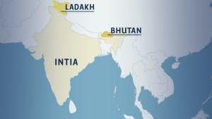 Kartta Intian niemimaasta, jossa Intia, Ladakhin alue sekä Bhutan.